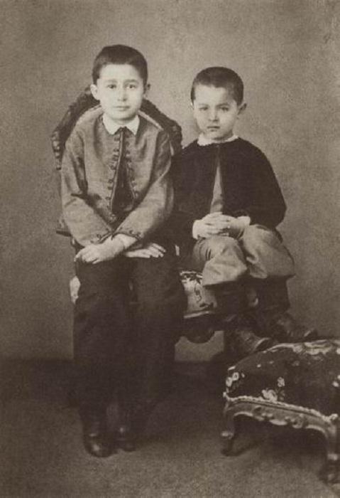 Сергей и Константин в детстве. Фото.