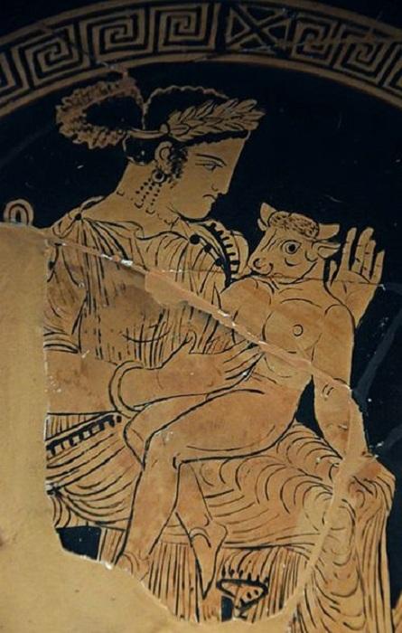 Античная вазопись. «Пасифая с сыном Минотавром».