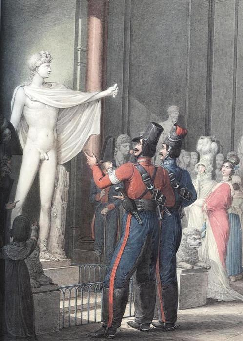 У статуи Аполлона в музее.
