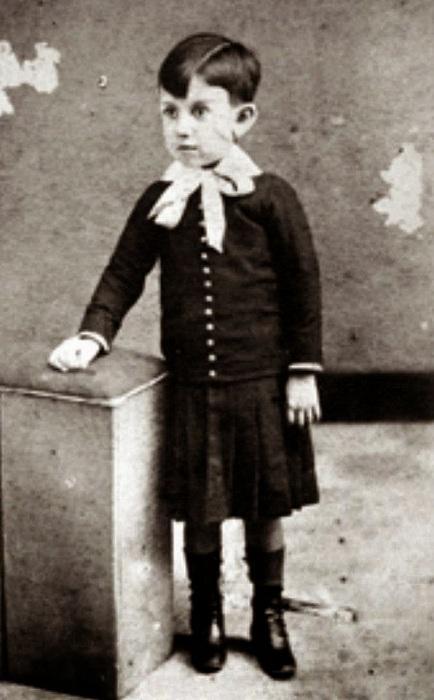 Пабло Пикассо в детстве. Фото ок. 1894 г.