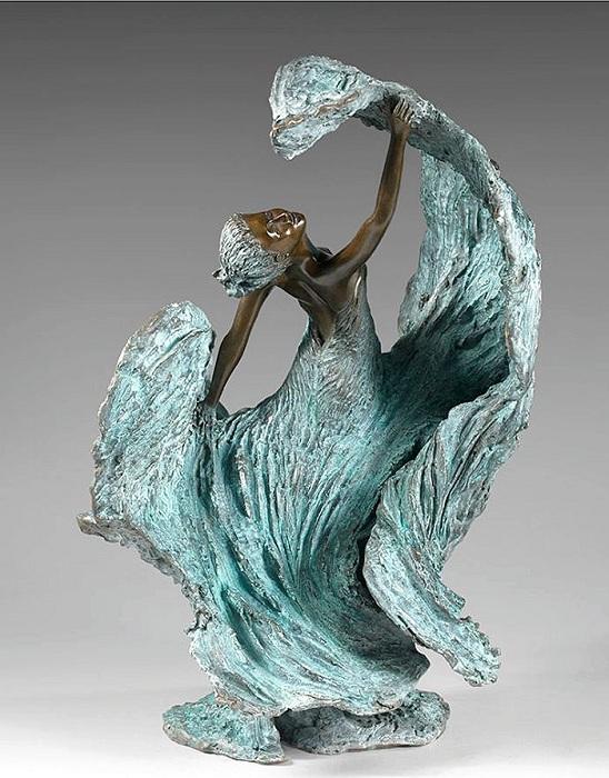 ELVIRA.  Бронзовые скульптуры от Натали Сегуин.
