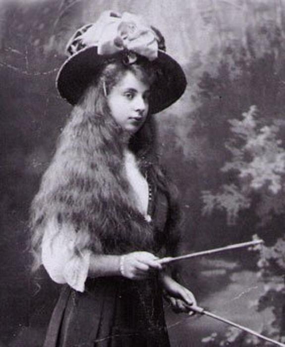 Тамара Гурбич-Гурская в отрочестве.