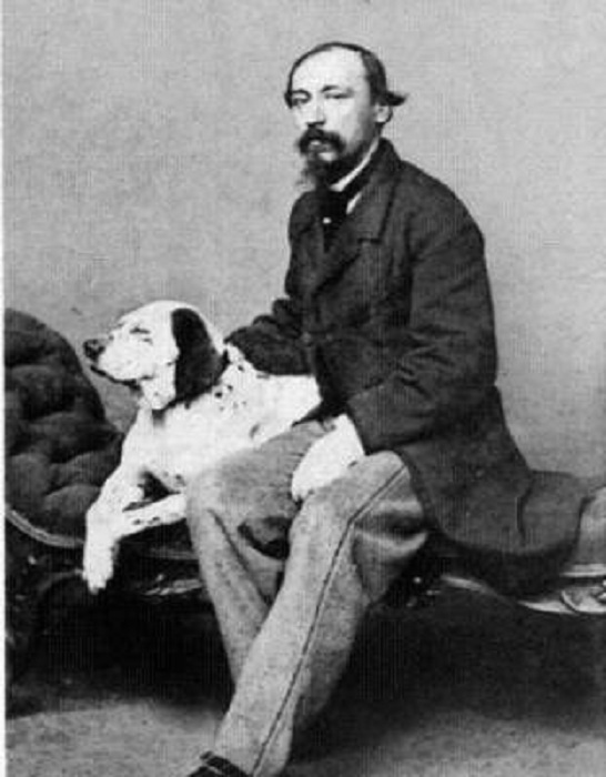 Николай Некрасов с охотничьей собакой.