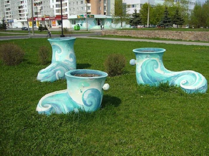 Ботинки — клумбы в Гомеле. Белоруссия.