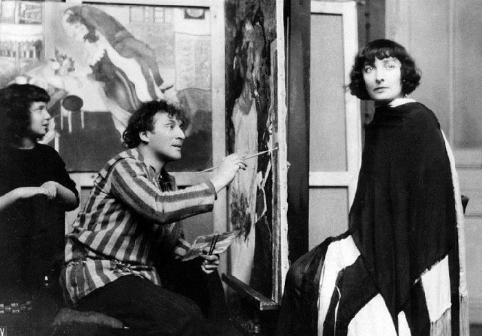 Марк Шагал с Беллой и дочерью Идой.