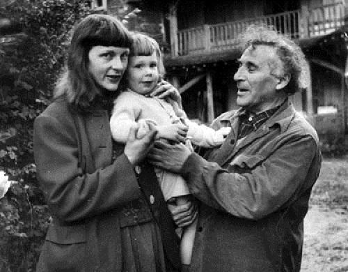 Марк Шагал с Вирджинией и сыном.
