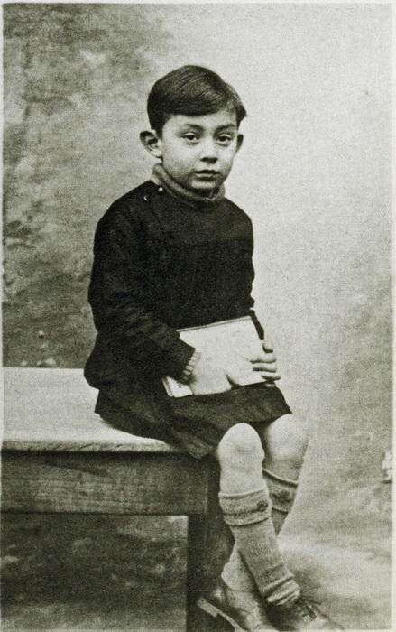 Люсьен Гинзбург в детстве.