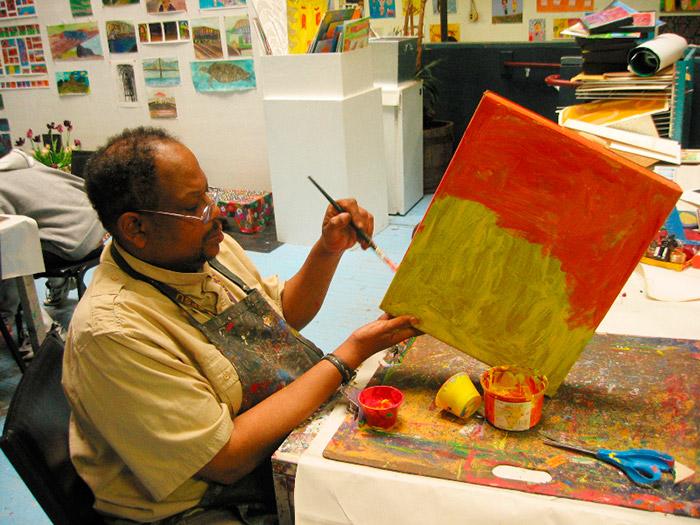 Vincent-Jackson. Арт-терапия в центре-студииCreativityExplored в Сан-Франциско (Калифорния, США).