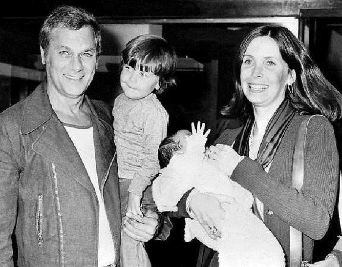 Тони Кертис и Лесли Ален с сыновьями.