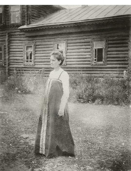 Юлия Кустодиева в Павловском. (июнь - август 1903 год). Кустодиев Борис Михайлович.