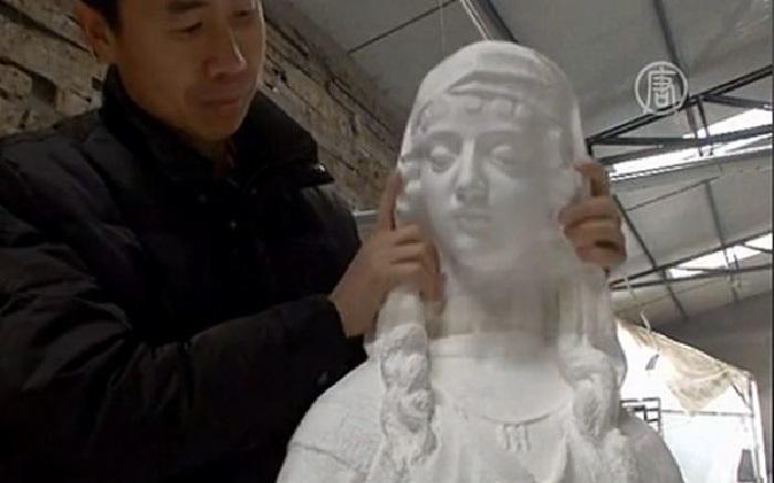 Бумажные скульптуры от китайского скульптора Ли Хунбо.