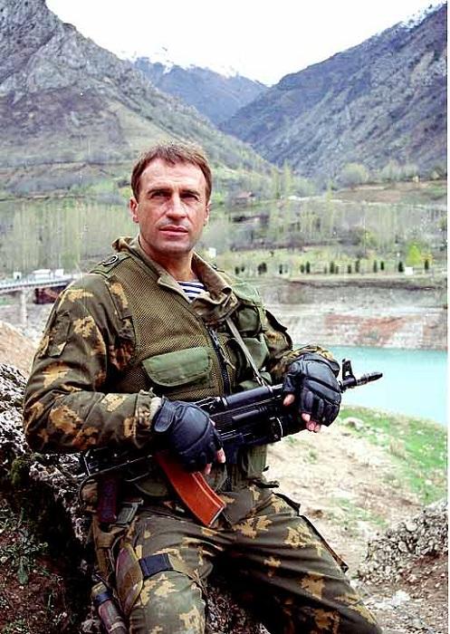 Александр Дедюшко в роли майора Сарматова.