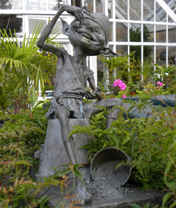 Садовые скульптуры из бронзы Дэвида Гуда.   Фото: bugaga.ru.