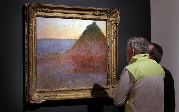 Стог сена. (Картина продана на аукционе Christie's в Нью-Йорке за 81,4 млн. долларов).