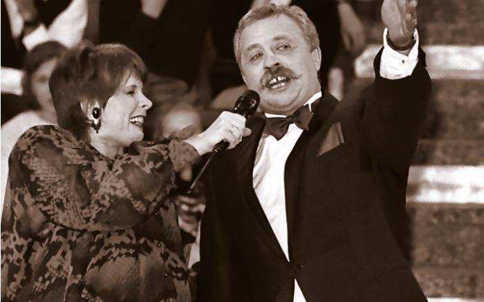 Клара Новикова и Леонид Якубович на съемках 100-ого выпуска шоу.