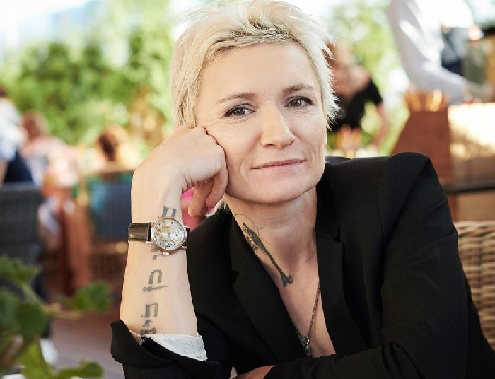 Диана Арбенина - российский музыкант, поэтесса, певица, лидер рок-группы «Ночные снайперы».