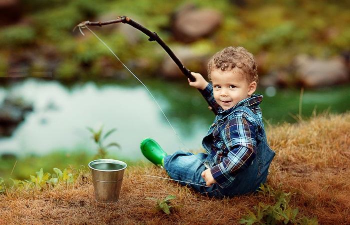 Маленький рыбак. Фотограф: Елена Карнеева. | Фото: karneeva.ru.