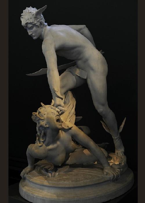 Персей убивает Медузу горгону.