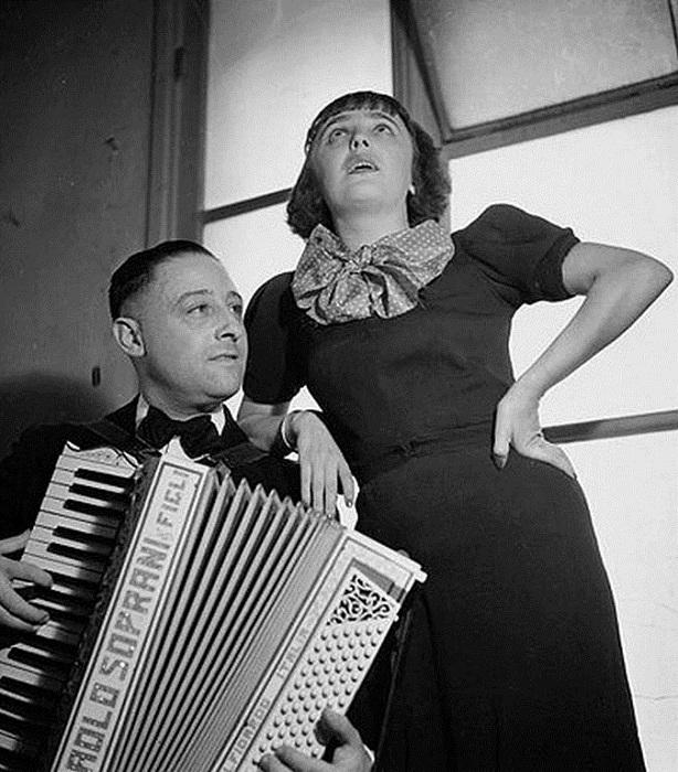 Этит с аккомпаниатором. / Фото: Getty Images.