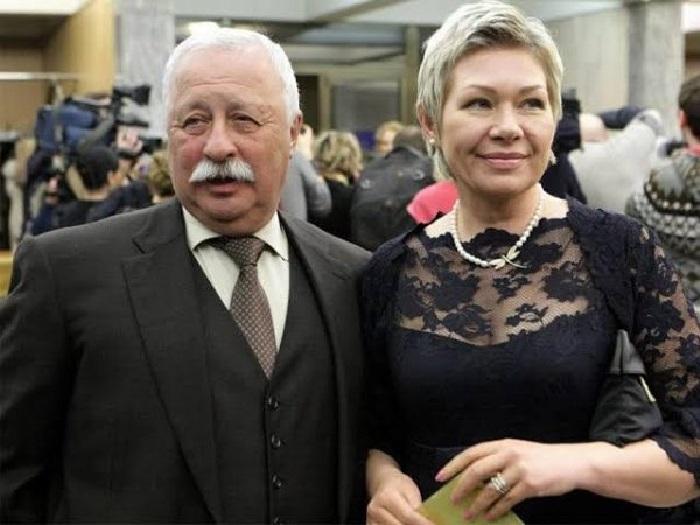 Якубович с супругой Мариной Видо.