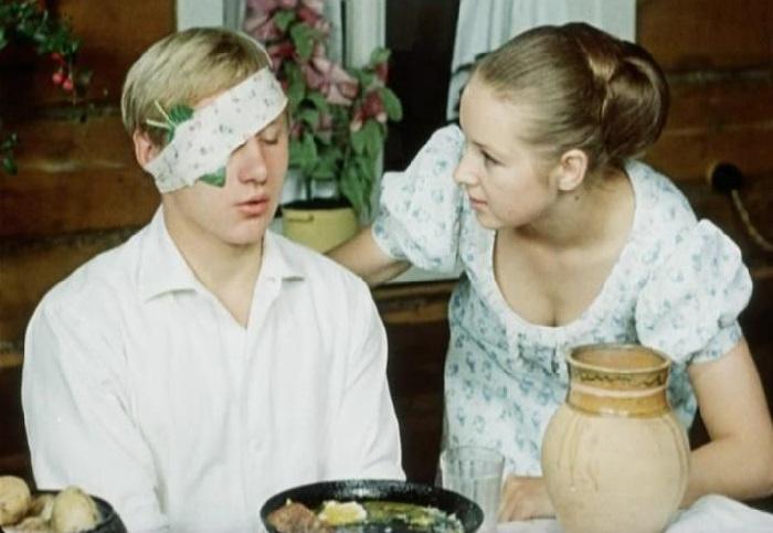 Кадр из комедии «Семь невест ефрейтора Збруева». (1970).