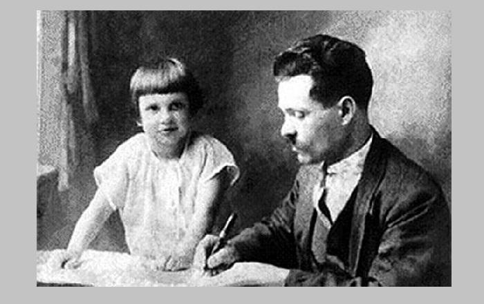 Нестор Иванович Махно с дочерью Еленой.