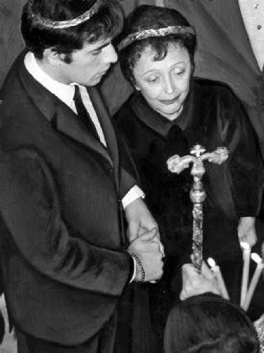 Венчание Тео Сарапо и Эдит Пиаф. / Фото: Getty Images.