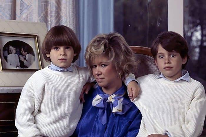 Кристин Дельво с сыновьями Джонатаном и Жюльеном. 1980-е.