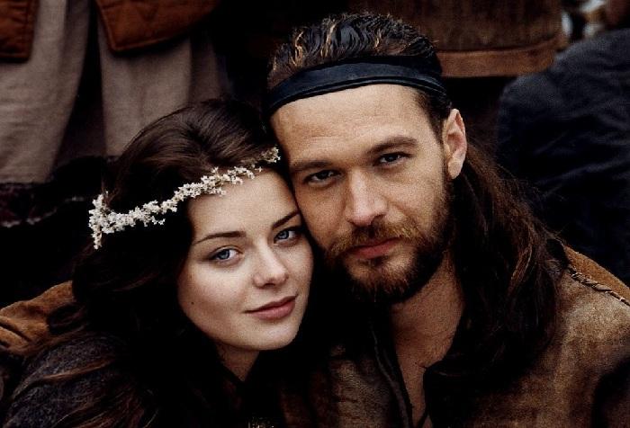 Михал Жебровский (воин Земовит) и Марина Александрова (Дзива) в кинофильме «Когда солнце было богом».