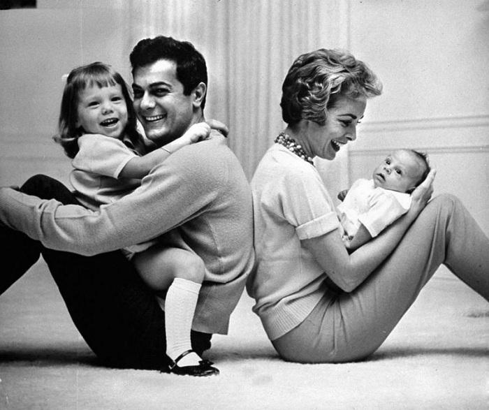 Джанет Ли и Тони Кёртис с дочерями.