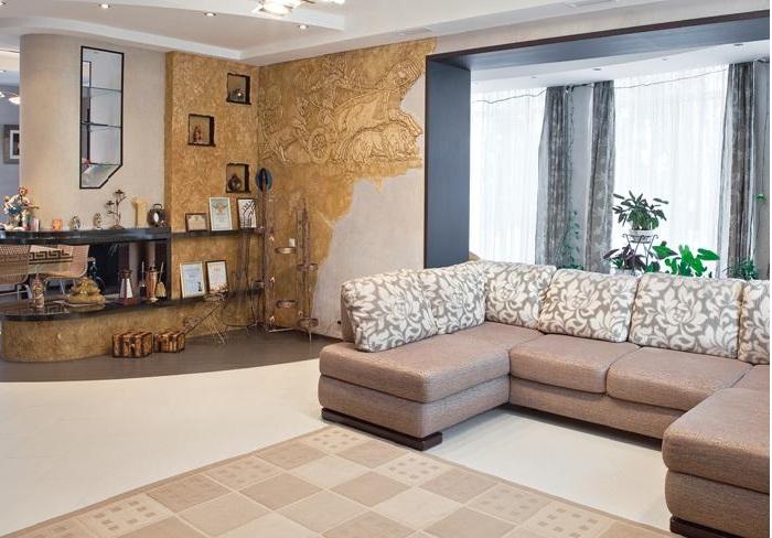 Гостиная в доме Алексея Глызина.