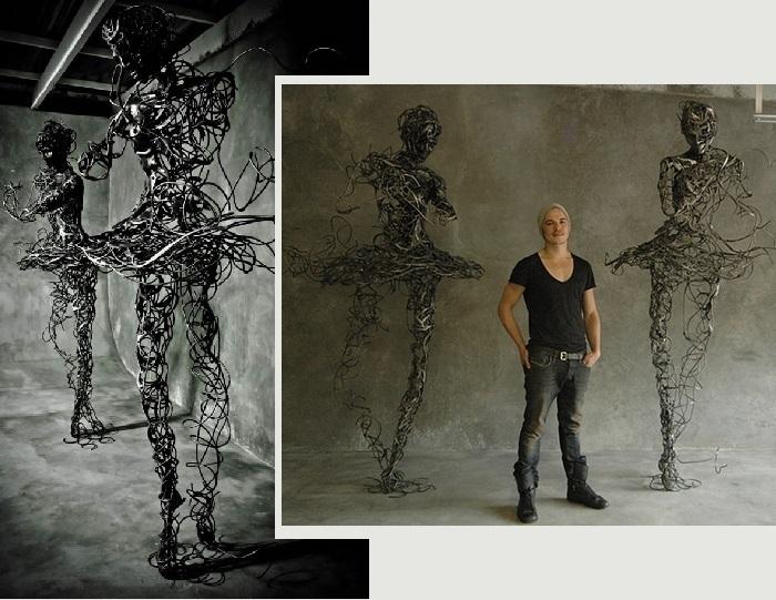 Регард ван дер Мюлен (Regardt van der Meulen), выпускник факультета изобразительных искусств кейптаунского Университета (2008).<br>