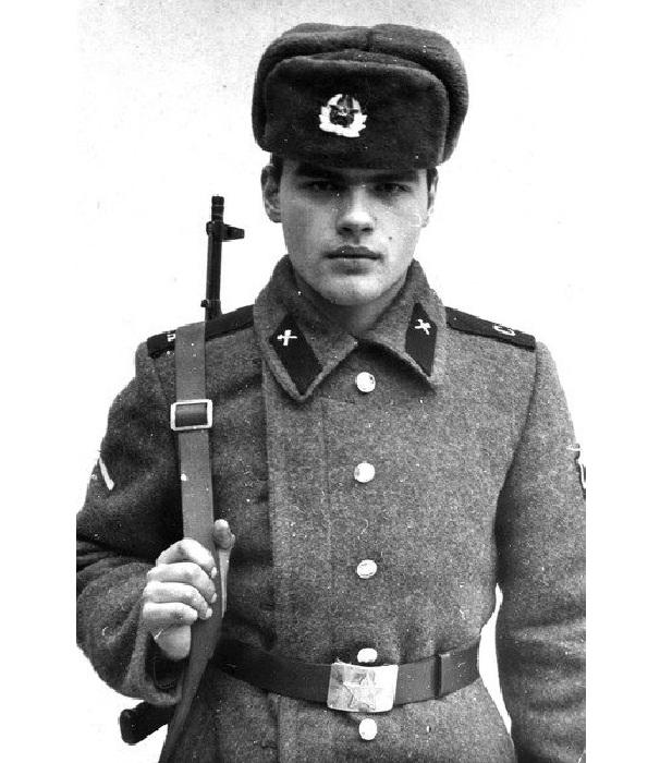 Рядовой Евгений Дятлов.