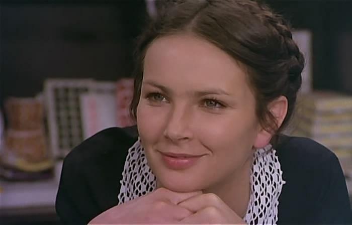 Кадр из кинофильма «Знахарь». Анна Дымна в роли Марыси.