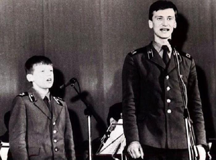 Сергей Пенкин - вокалист военного ансамбля «Алый шеврон».