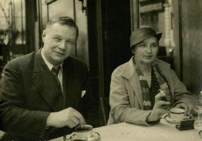 Н.С. Гончарова и М.Ф.Ларионов в Париже.