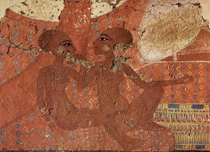Царские дочери. Нефернефрура и её старшая сестра Нефернефруатон-ташерит на стене дворца Ахетатона.