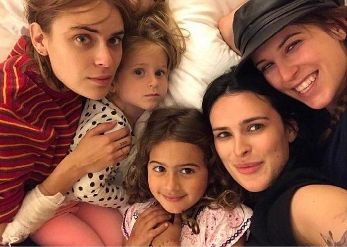 Папины дочки: пятеро дочерей Брюса Уиллиса на одном фото.