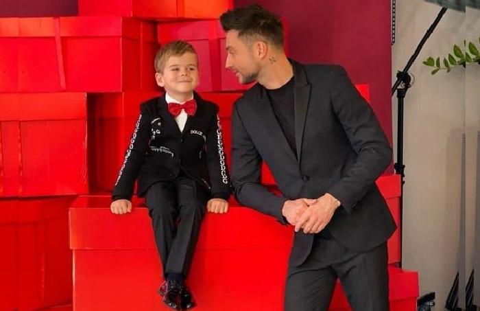 Сергей Лазарев с сыном Никитой.    Фото: 7days.ru.