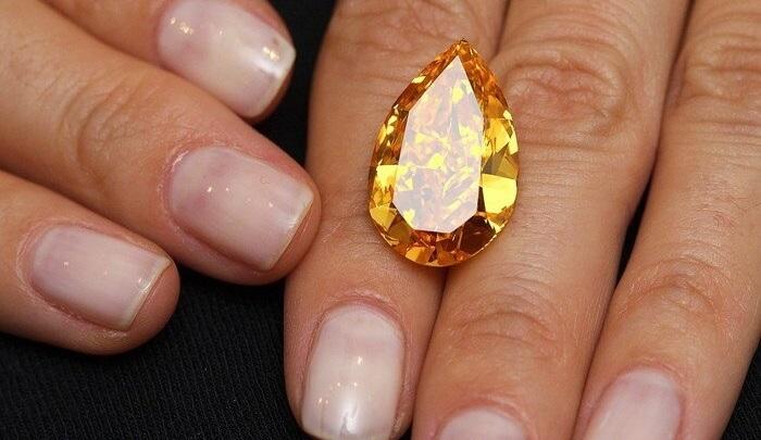 Оранжевый бриллиант «Апельсин», проданный в 2013 году на женевском аукционе Christie's.