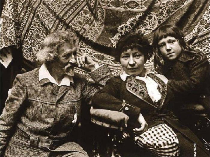 Илья Репин, дочь Вера, внук Дий.