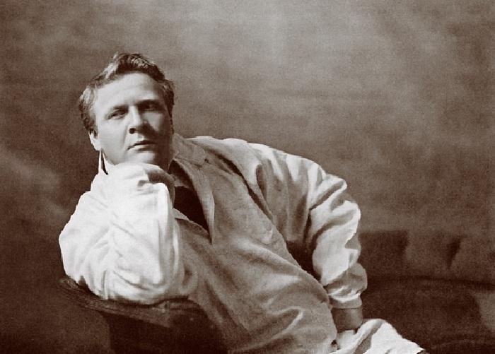 Федор Шаляпин - знаменитый русский оперный певец и актер.