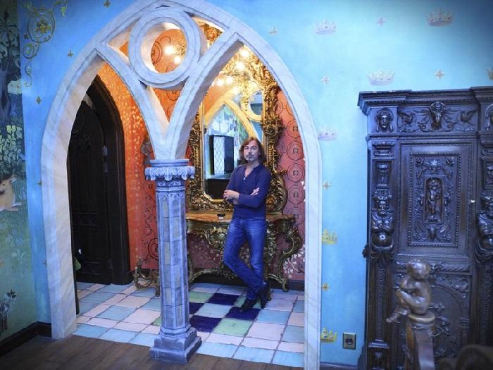 Квартира Никаса <br>Сафронова: своды в готическом стиле соединяют всю площадь в единой целое.