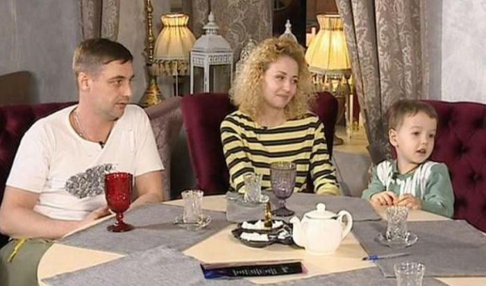 Антон Батырев со своей семьей.