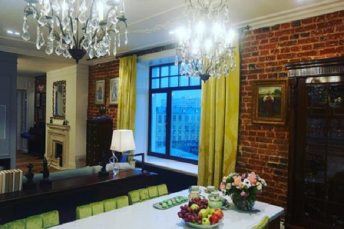 Гостиная в квартире Надежды Бабкиной. | Фото: lady.mail.ru.