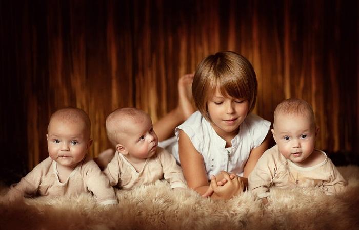 Тройняшки. Фотограф: Елена Карнеева. | Фото: karneeva.ru.