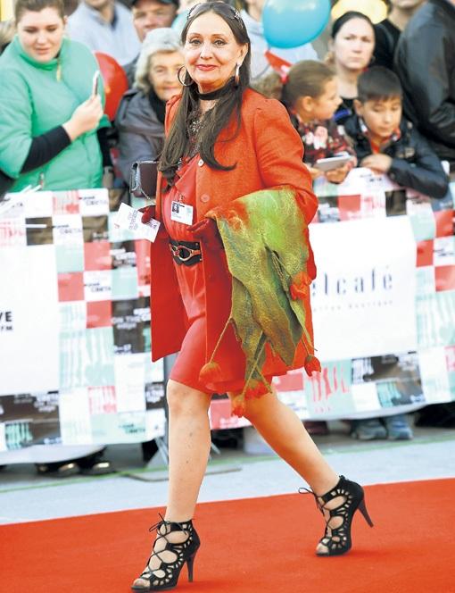 Лариса Кадочникова на красной дорожке.