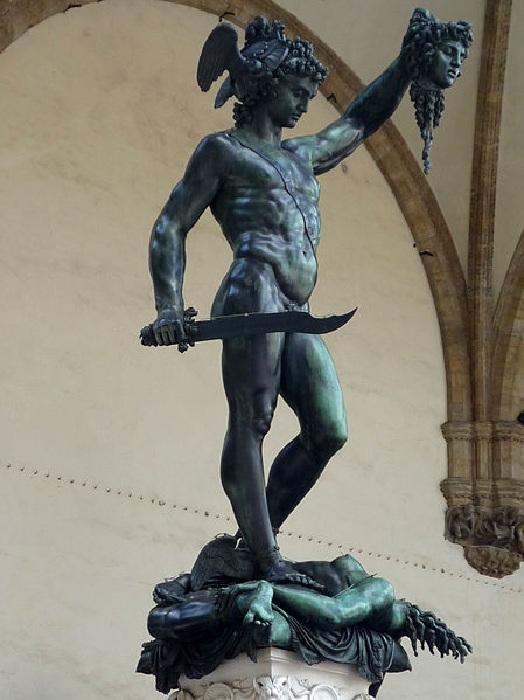 Персей с головой Медузы . (1554). Флоренция. Италия. Статуя Бенвенуто Челлини.