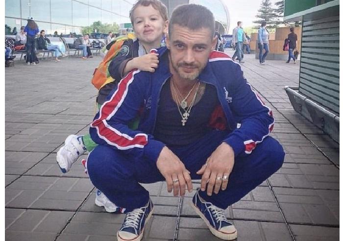 Антон Батырев с сыном Добрыней.