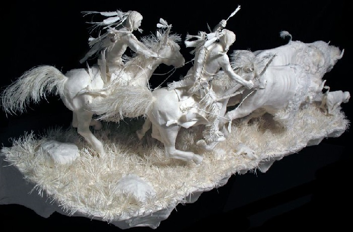 Бумажные скульптуры от Пэтти и Аллена Экман, посвященные индейскому племени чероки.